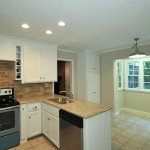 450 07 Lo After Kitchen Counter to Nook